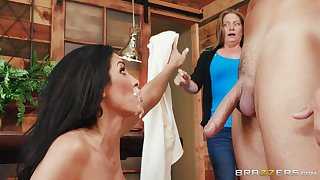 Brunette woman lashings her face at hand sperm in make an issue of end of a harsh shag