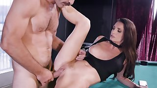 Unsatisfied ill-lighted MILF cheats on husband with sound guy